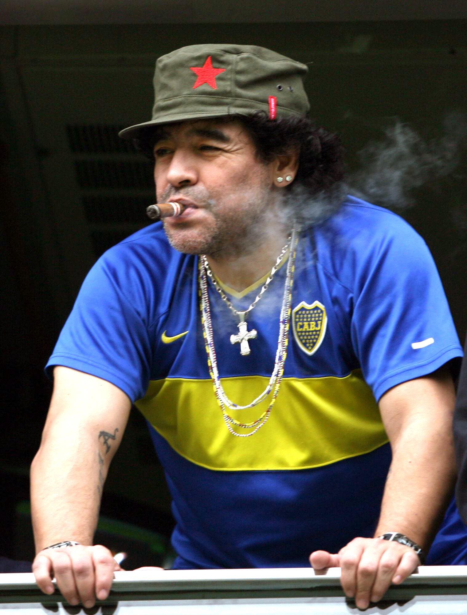 مارادونا : لولا المخدرات كنت سأصبح  افضل من لعب كرة قدم